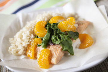 Salmon Packets with mandarin oranges, spinach and shallots