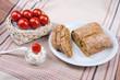 Arrangement Brot und Frischkäse 1