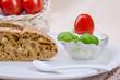 Arrangement Brot und Frischkäse 4