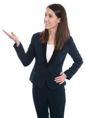 Spezialist weiblich für Finanzen isoliert zeigt mit der Hand