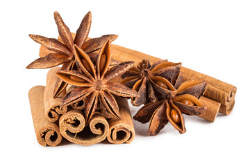 star anis and cinnamon sticks