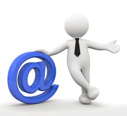 omino bianco con simbolo E-mail