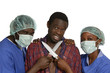 Ärzteteam bedroht Patienten mit Messer