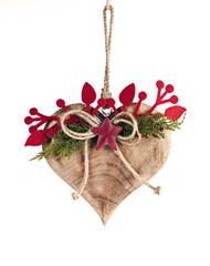 cuore di legno sfondo bianco decorazione natalizia