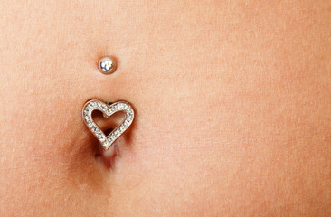 pretty belly and piercing