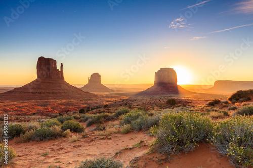Fototapeta Monument Valley twilight, AZ, USA