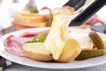 raclette, fondue