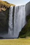 cascata Skogafoss a Vik in Islanda poster