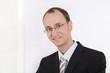 Business Portrait - Geschäftsmann in Anzug, Krawatte u Brille