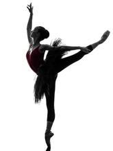 Młoda kobieta balet tancerz sylwetka