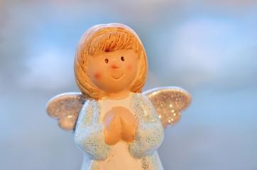 Engelchen mit betenden Händen