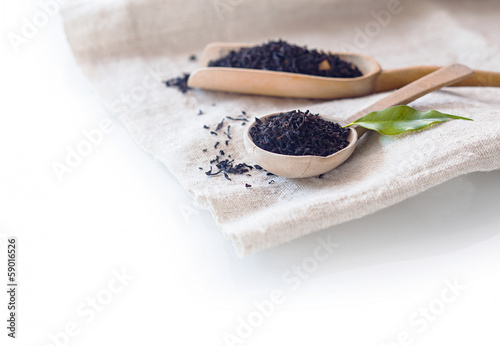 Fresh dried loose-leaf tea