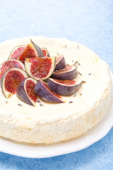 cheesecake with honey and lavender decorated with figs
