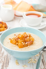 oatmeal with caramelized peaches, close-up