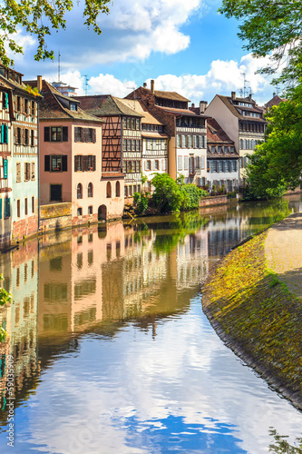 Foto Spatwand Kanaal Strasbourg, water canal in Petite France area. Alsace.