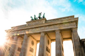 Бранденбургские ворота в лучах сонлнца