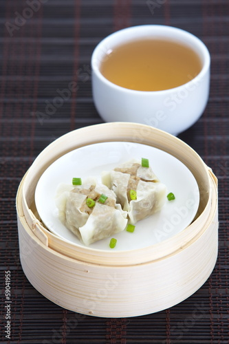 chinese steamed dumpling