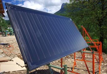 installation de panneaux solaires sur châssis