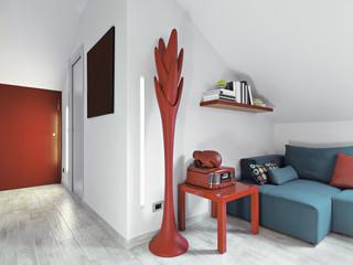 moderno soggiorno con divano blu