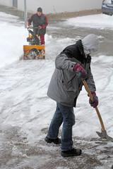 Schneeräumen bei starkem Schneefall