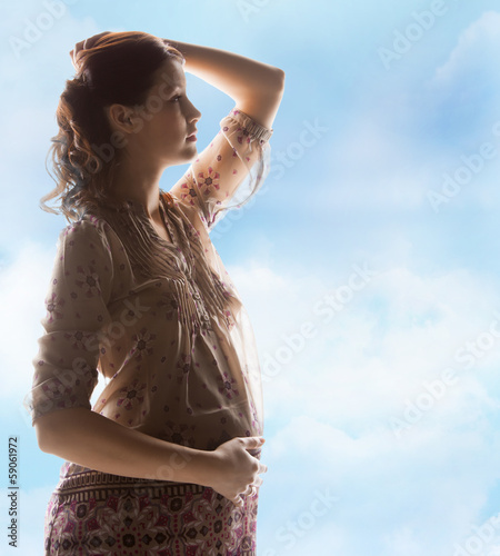 silhouette picture of pregnant beautiful woman