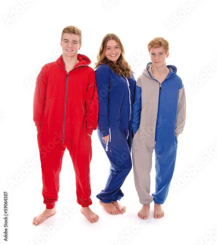 Drei Teenager im Jumpsuit