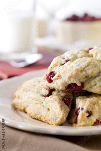 Fotobehang Brood cranberry scones at the breakfast table.