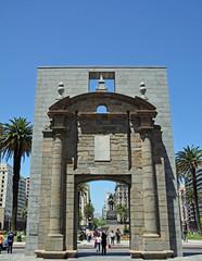 Portal Cidade Velha, Montevideo