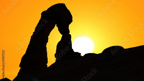 Delicate Arch with setting sun Time Lapse