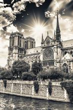 Magnifique ciel de la cathédrale Notre-Dame, Paris