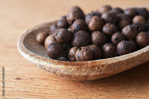 allspice  in  spoon