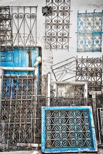 Fotobehang Tunesië Brocante dans la médina de Houmt Souk, Djerba - Tunisie