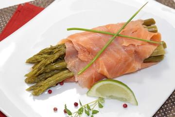 saumon fumé et asperges