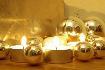 Goldener Kerzenschein