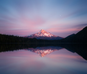 Mont Hood vu depuis Lost lake (Oregon, Etats-Unis)