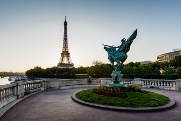 France Reborn Statue on Bir-Hakeim Bridge and Eiffel Tower at Da