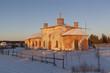 Церковь Николая Чудотворца в лучах восходящего солнца