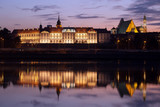 Fototapety Royal Castle and Vistula River at Twilight in Warsaw