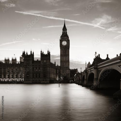 London at dusk © rabbit75_fot