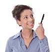 Business Frau isoliert in blauer Bluse zeigt auf etwas