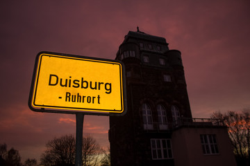 Duisburg Ruhrort at night