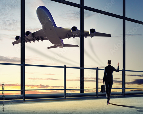Foto op Canvas Luchthaven Businesswoman at airport