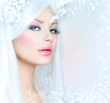 Fototapety Winter Beauty. Beautiful Fashion Model Girl with Snow Hairstyle