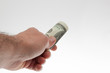 Banconote estratte dal portafogli. Cambio euro dollaro