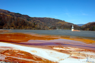 minery polluted lake