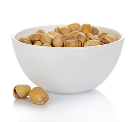Dry salted pistachio fruit in bowl