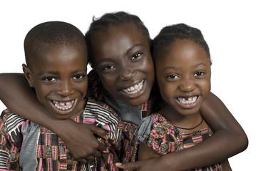 Drei afrikanische Kinder haben Spass