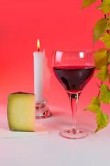 Weinglas mit Weinblattzweig 4