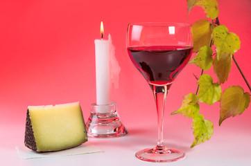 Weinglas mit Weinblattzweig 5