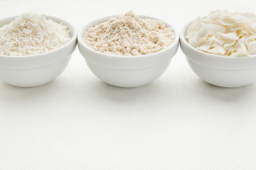 coconut flour and flakes